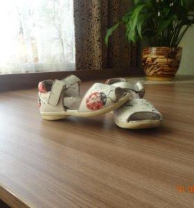 ОТДАМ сандалики