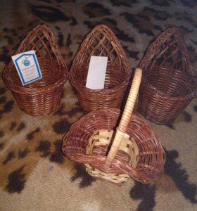 Декоративная плетеная корзина