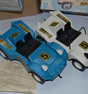 Самоуправляемая электромеханическая игрушка багги