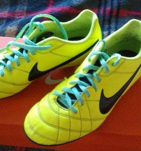 Фирменные бутсы Nike Tiempo Rio JR
