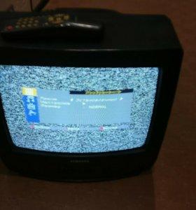 Телевизор цветной .