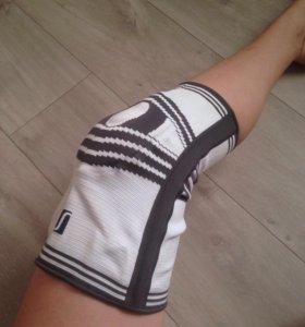 Бандаж для фиксации колена