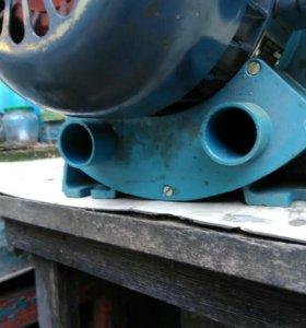 Электрический мотор с воздушной помпой