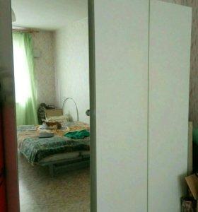 Шкаф для одежды, зеркальный шкаф и стеллаж Икея
