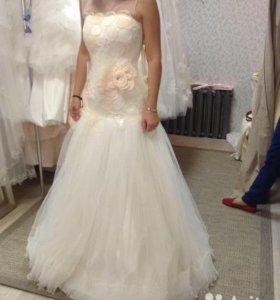 Свадебное платье + шубка + клатч