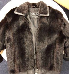 Кожаная куртка с натуральным мехом, размер 52-54.