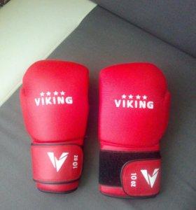 Боксерские перчатки Viking + Защита голени и стопы