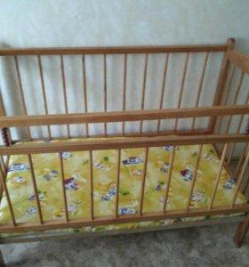 Кровать детская б/у + матрац новый.