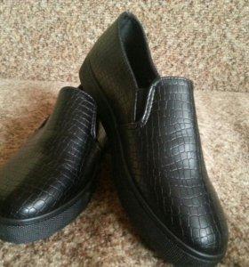 новые туфли,слипоны 38 р