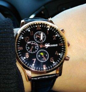 Кварцевые стильные часы