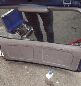 Задняя дверь на Subaru Forester