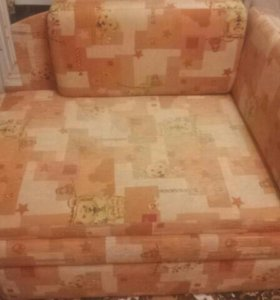 Раздвижной диванчик.