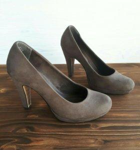 Новые туфли 37-38 размер