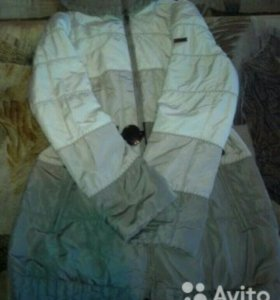 Демисезонное пальто. В отличном состоянии.