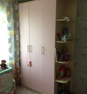 Комплект мебели в детскую