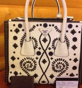 Новая шикарная сумка PRADA