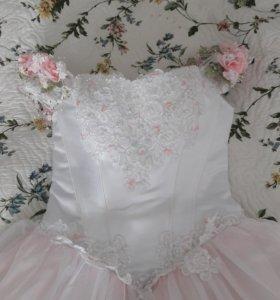 Свадебное платье 46 р-р