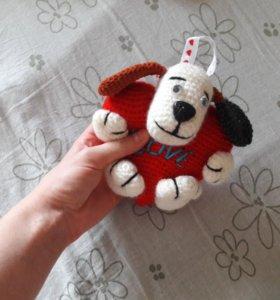 Игрушка-собачка с сердцем
