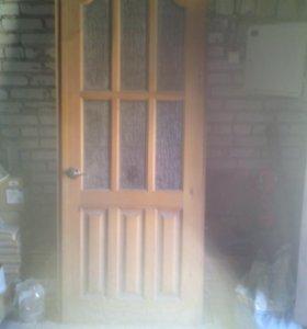 Дверь межкомнатная из дерева,с коробкой.