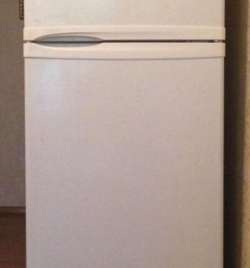холодильник Daewoo. FR-291