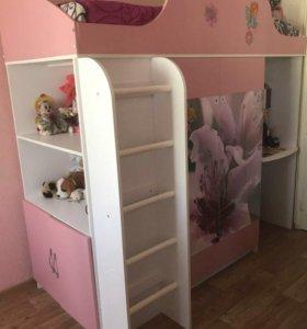 Детский комплекс: кровать, матрас , шкаф, полки