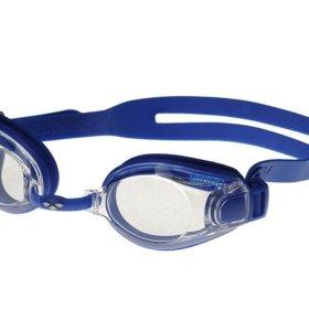 Очки для плавания в футляре