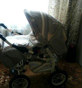 Детская коляска,3 в 1.с дождевиком