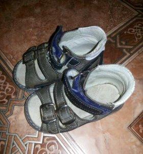 ортопедические сандали для мальчика. 22 рр