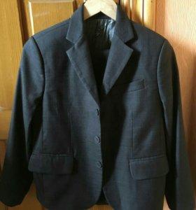 Школьный костюм д/мальчика р.146, 11-12 лет