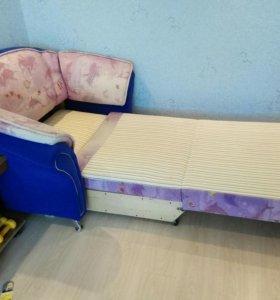 Продаю раскладной детский диван