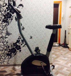 Велотренажер HouseFit