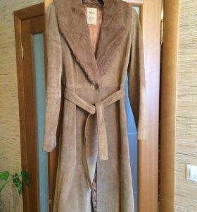 Стильное замшевое пальто