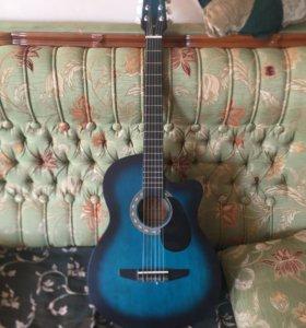 Гитара акустическая с подключением к усилителю