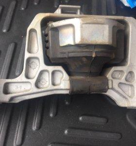 Правая опора двигателя мазда 3