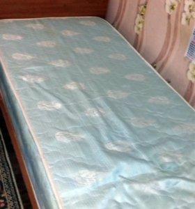 Кровать(матрас в подарок)
