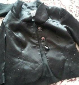 Атласный пиджак 44