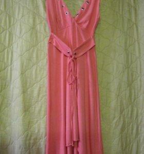 Стильное новое платье 42-44р