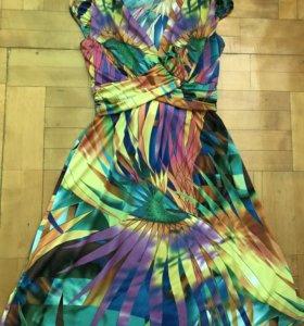 Платье размер 42-44 фирма visavis