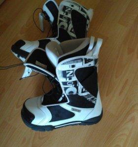 Ботинки для сноуборда Bone размер 42,5.