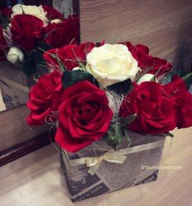 Розы из бумаги, цветы в коробочке