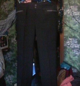 Продам женские теплые брюки и свитера