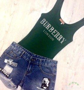 Шорты джинсовые с фото и Зеленая майка стразы