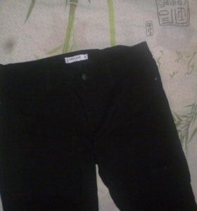 Джинсы чёрные,брюки