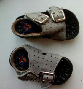 Сандалии, ботинки