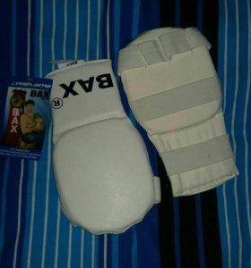 Перчатки для единоборств