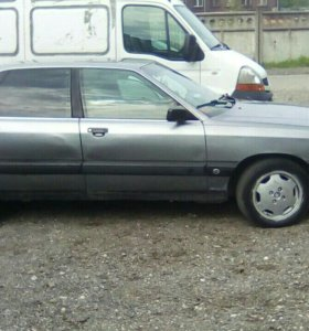 Ауди 100 44 кузов 1990 год.