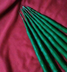 Свечи зеленые восковые.