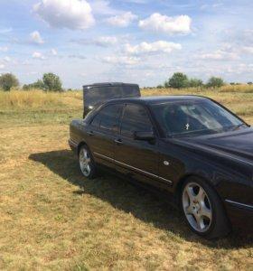 Мерседес W 210 в кузове E 240