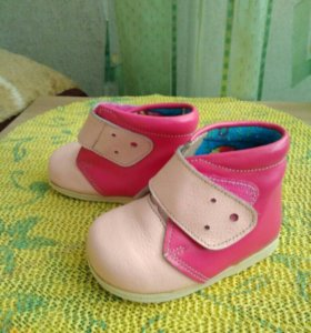 Ботиночки для девочки.