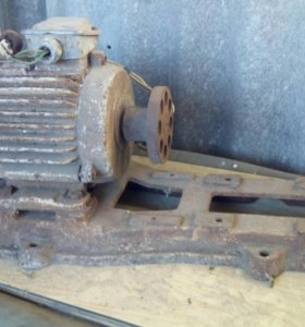 Электро двигатель для насоса.